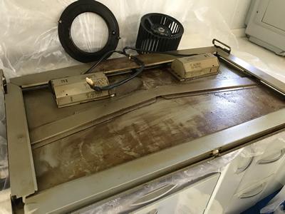 レンジフード本体から取り外せた部品