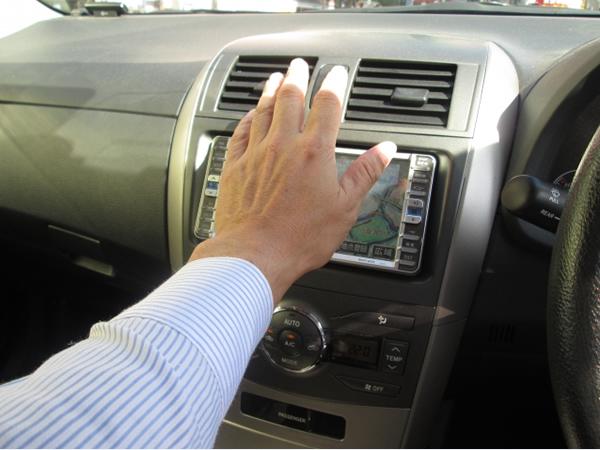 車のエアコンが冷えない