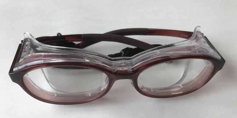JINSの花粉症用メガネ